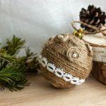 Фото 33: Новогодний шар из бечевки и ажурной ленты