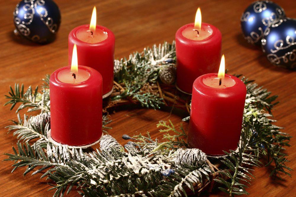 Традиционный рождественский венок Адвента