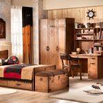 Фото 61: Деревянная мебель в пиратском стиле в детской для мальчика