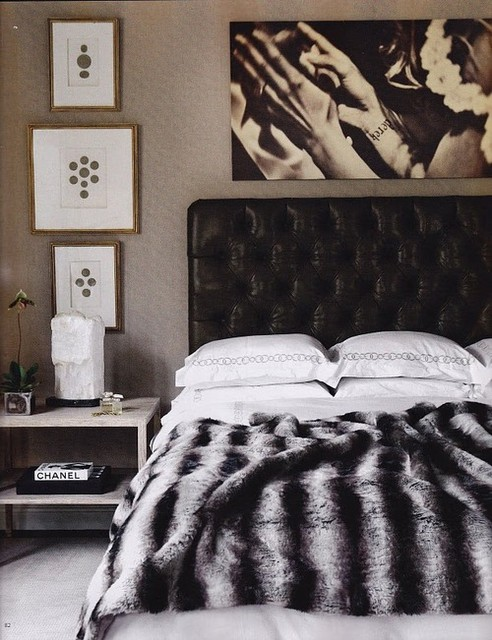 traditional-black-and-white-bedroom-11