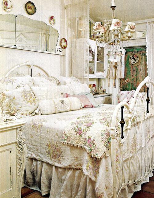 Спальня в пастельных тона в стиле шебби шик