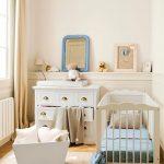 Фото 95: Деревянная кроватка в детской для новорожденного