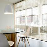 Фото 100: Нитяные шторы в офисе