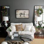 Фото 61: Расположение зеркал по обе стороны от дивана