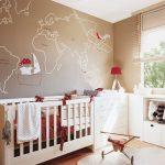 Фото 76: Дизайн комнаты для новорождённого мальчика с картой в песочных тонах