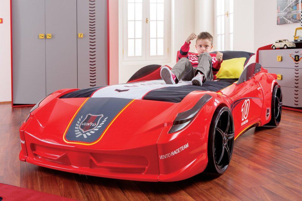 Кровать - машина для мальчика
