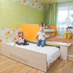 Фото 59: Выдвижная кровать в подиуме