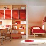 Фото 73: Отделение зоны спальни в детской при помощи шкафа