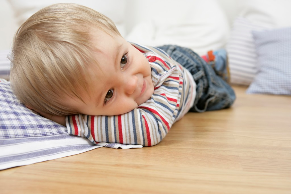 Натуральный пол в детской комнате для мальчика