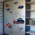 Фото 117: Шкаф для мальчика с наклейками