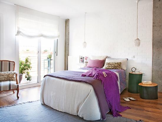 спальня с лиловыми акцентами