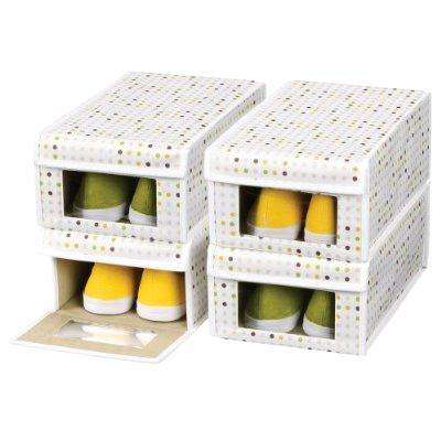 Для удобства в коробках для обуви можно сделать окна