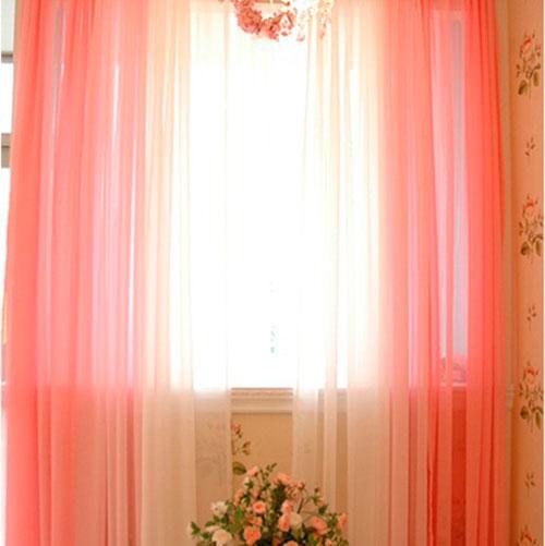 Белые шторы в интерьере комнаты для девочки