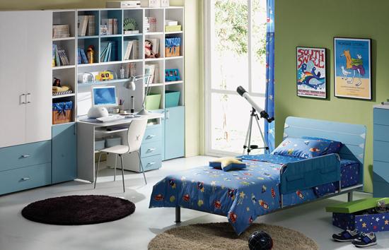 Детская комната с балконом