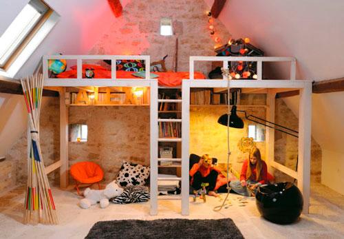 Детская комната на мансарде ( фото)