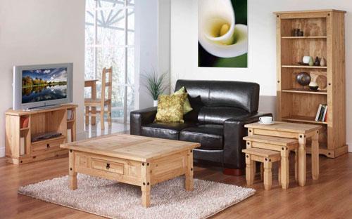 Трансформируемая мебель в интерьере квадратной гостиной