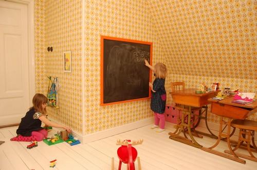 В каждой детской комнате должна быть возможность порисовать