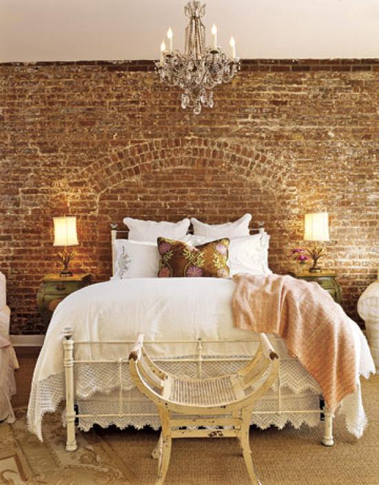 красивая спальня в винтажном стиле