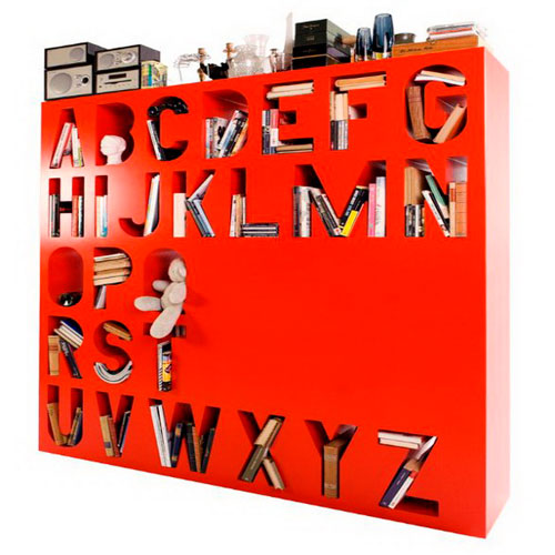 Интерьерные буквы в виде шкафчика