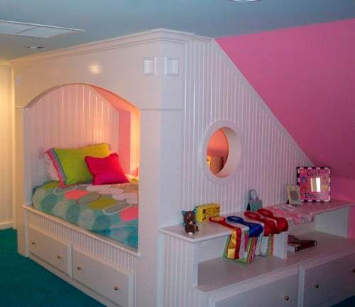 Детская спальня в мансарде