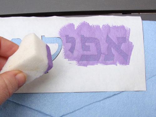 Трафареты для декора своими руками: нанесение краски при помощи губки