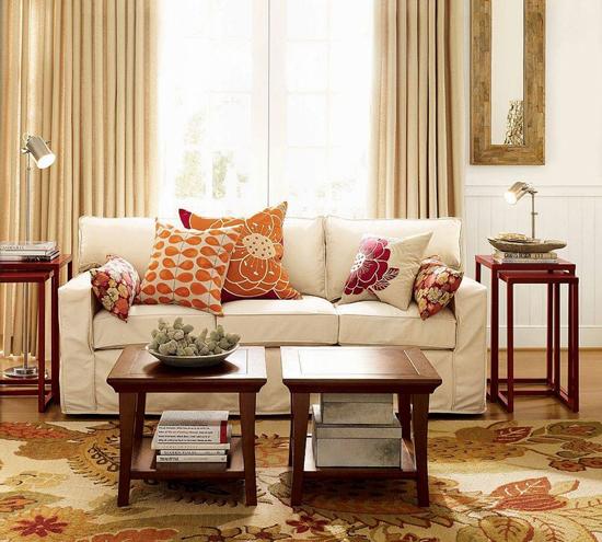 Стиль гостиной комнаты дополняют аксессуары