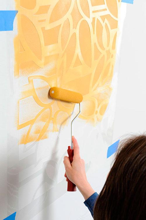Трафареты для декора своими руками: нанесение краски при помощи валика
