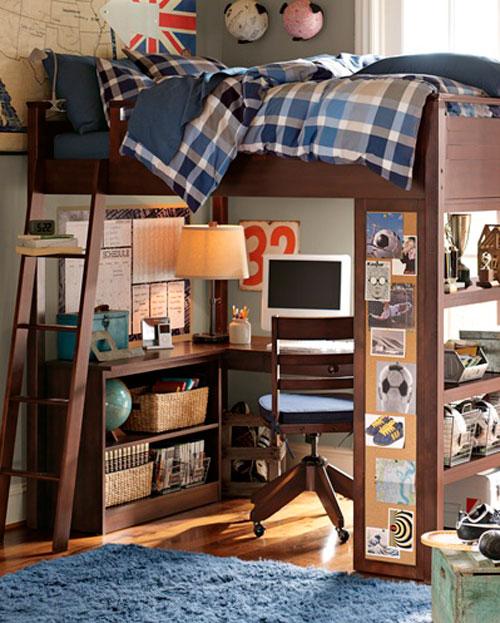 Комбинация кровати и рабочего места для детской комнаты в гостиной