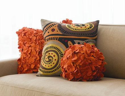 Декоративные диванные подушки - дополнение интерьера