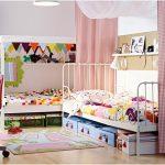 Фото 63: Зонирование детской комнаты шторами для двух детей