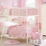 Фото 104: Двухспальная кровать в комнате для двух девочек