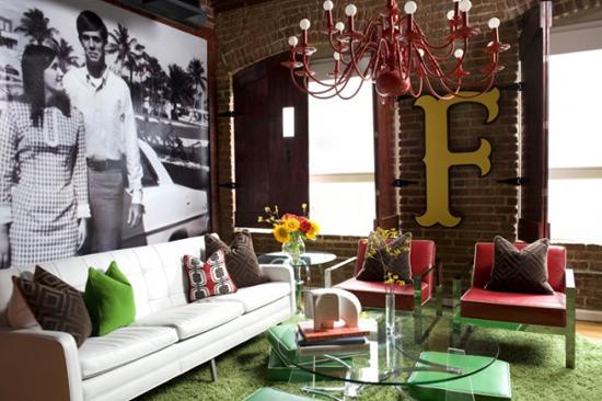 Дизайн небольшой гостиной комнаты в стиле лофт