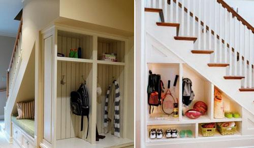 Красивые прихожие в доме с лестницей