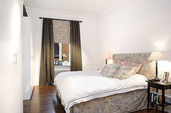 Супружеская кровать обязательно должна иметь изголовье кровати