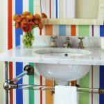 Фото 38: Цветные полосы в ванной комнате