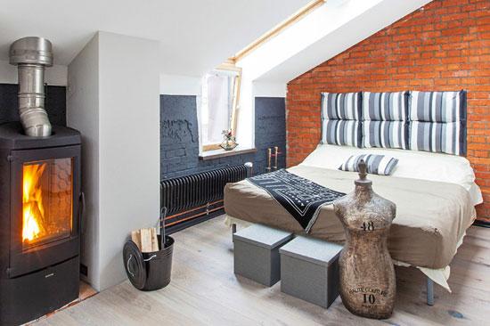 Печка-буржуйка в интерьере современной квартиры