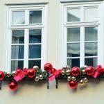 Фото 60: Новогоднее украшение парапетов