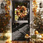 Фото 33: Осенний декор входной двери