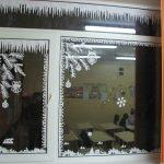 Фото 75: Бумажное украшение по кромке окна
