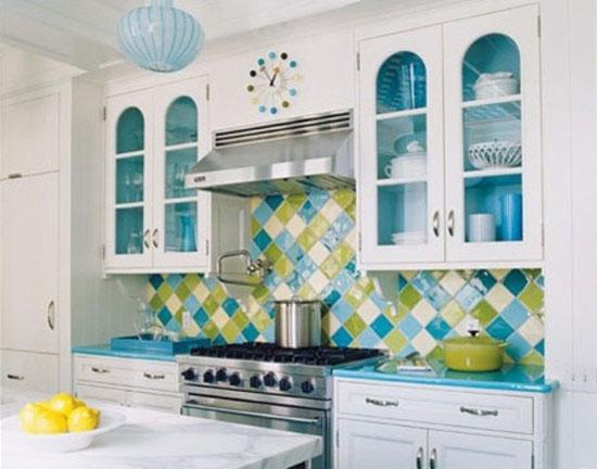 Голубое и зеленое в интерьере кухни