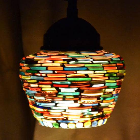 Светильник из цветного стекла: фото