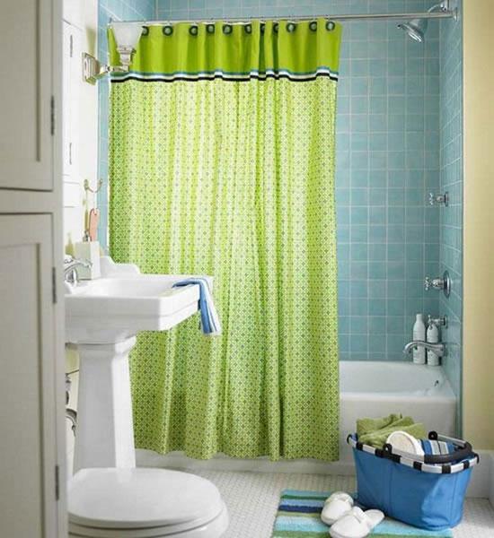 Фисташковый и голубой цвет в интерьере ванной комнаты