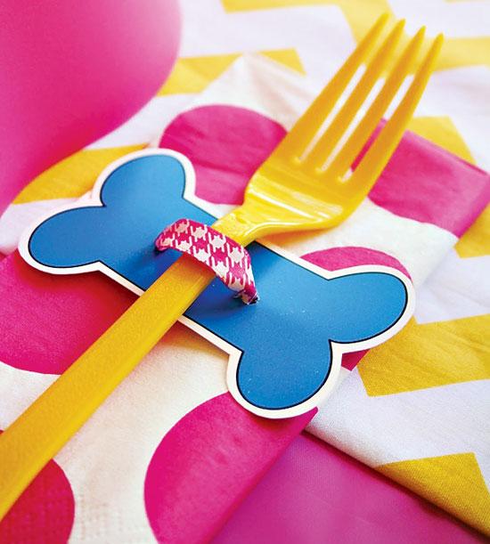 Сервировка детского праздничного стола цветной посудой