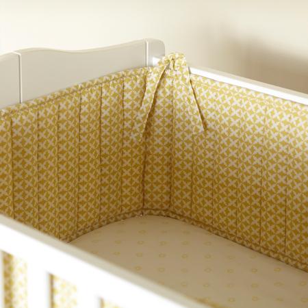 Мягкие бортики в детской кроватке - отличная защита от сквозняков