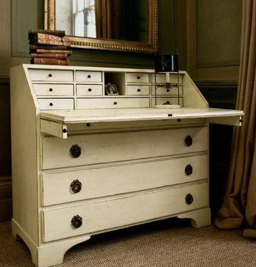 Письменный секретер-стол