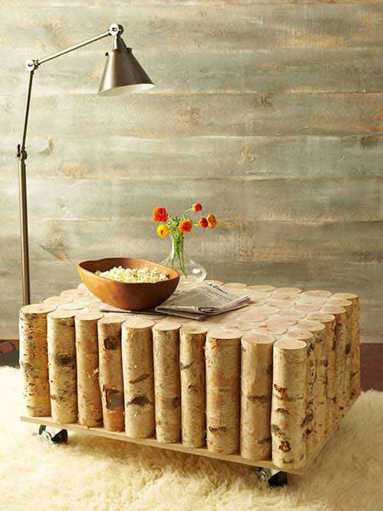 Журнальный столик, декорированный бревнышками