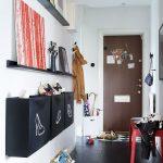 Фото 34: Креативная прихожая для узкого коридора