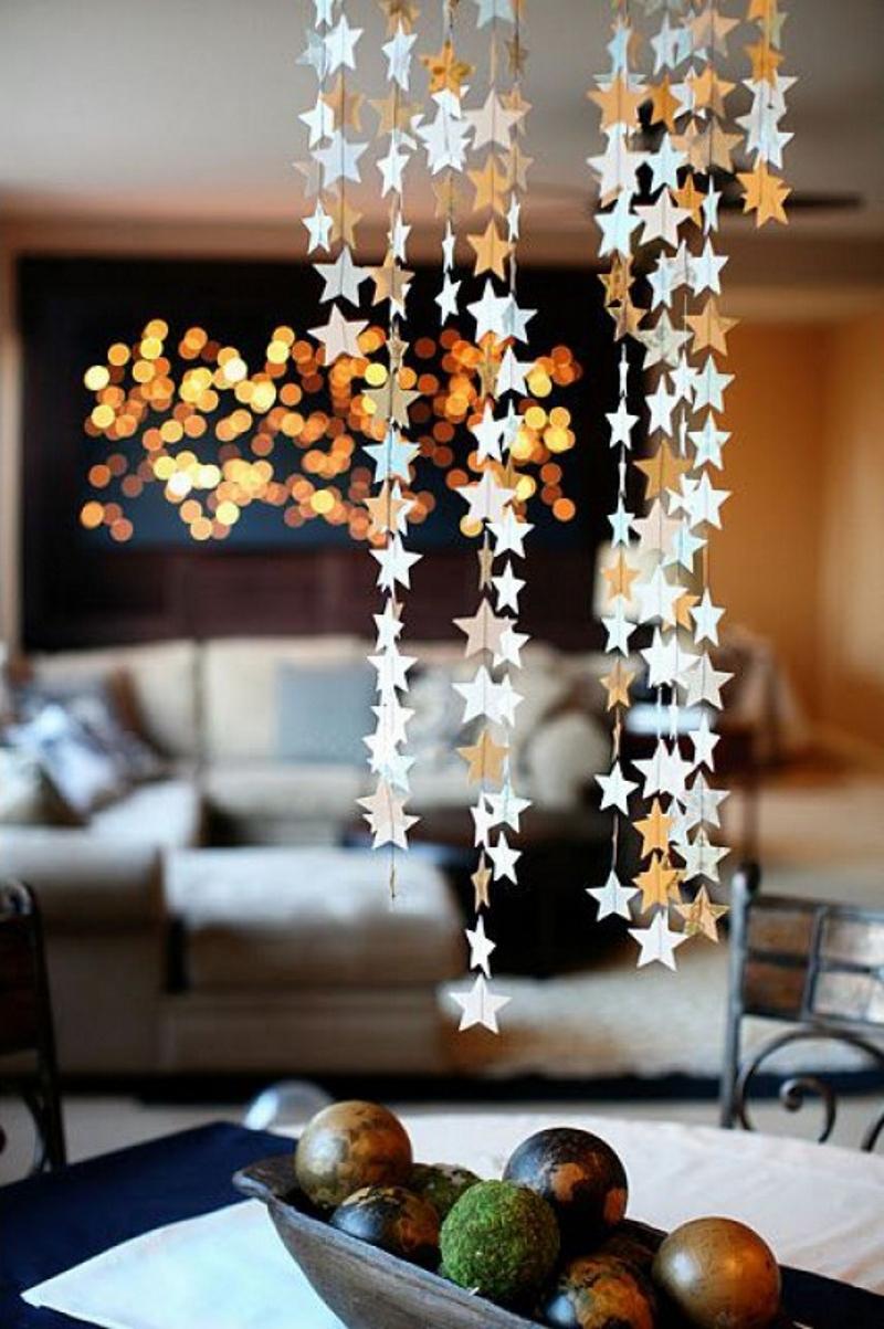 Новогодние гирлянды из бумажных звездочек