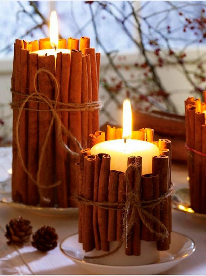 Новогодний  декор свечей палочками корицы