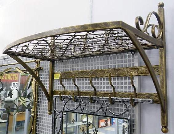 Большая металлическая вешалка